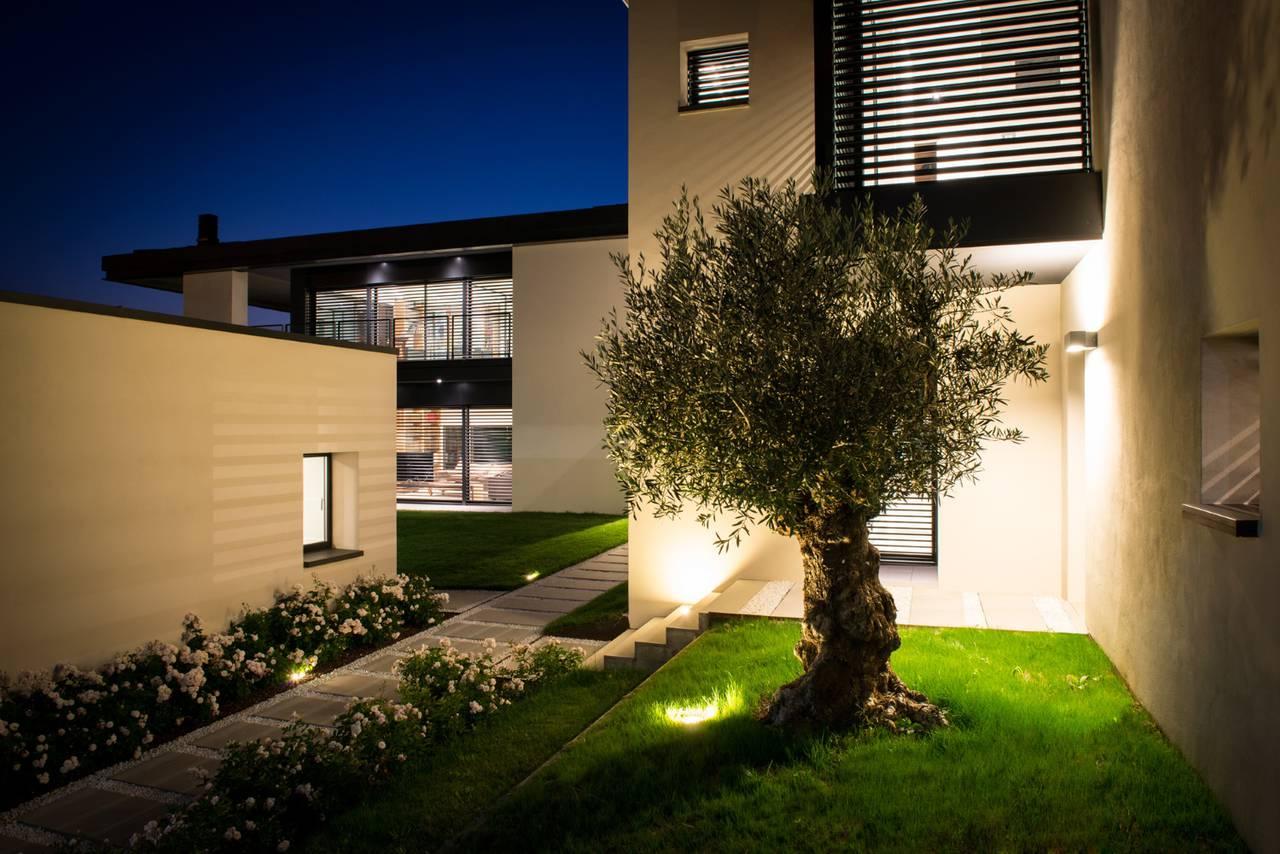 Secco sistemi per una villa privata parma area for Ville moderne con vetrate