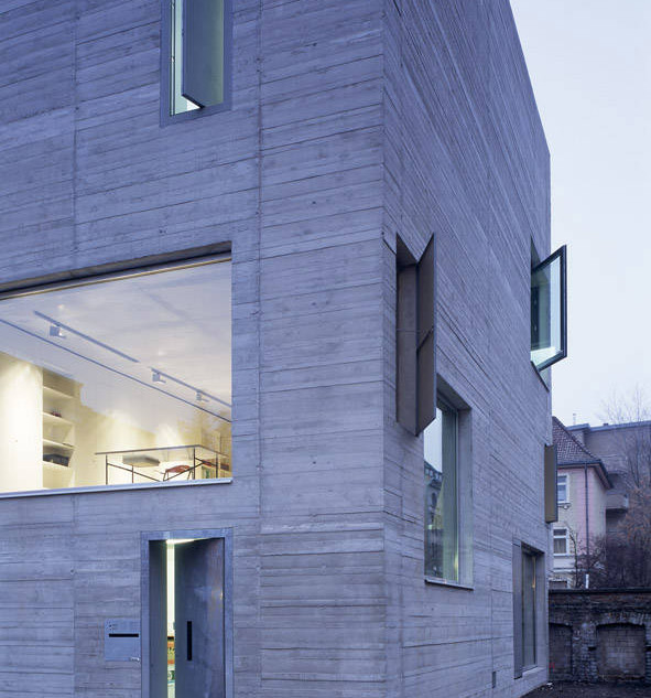 atelier katharina grosse area. Black Bedroom Furniture Sets. Home Design Ideas