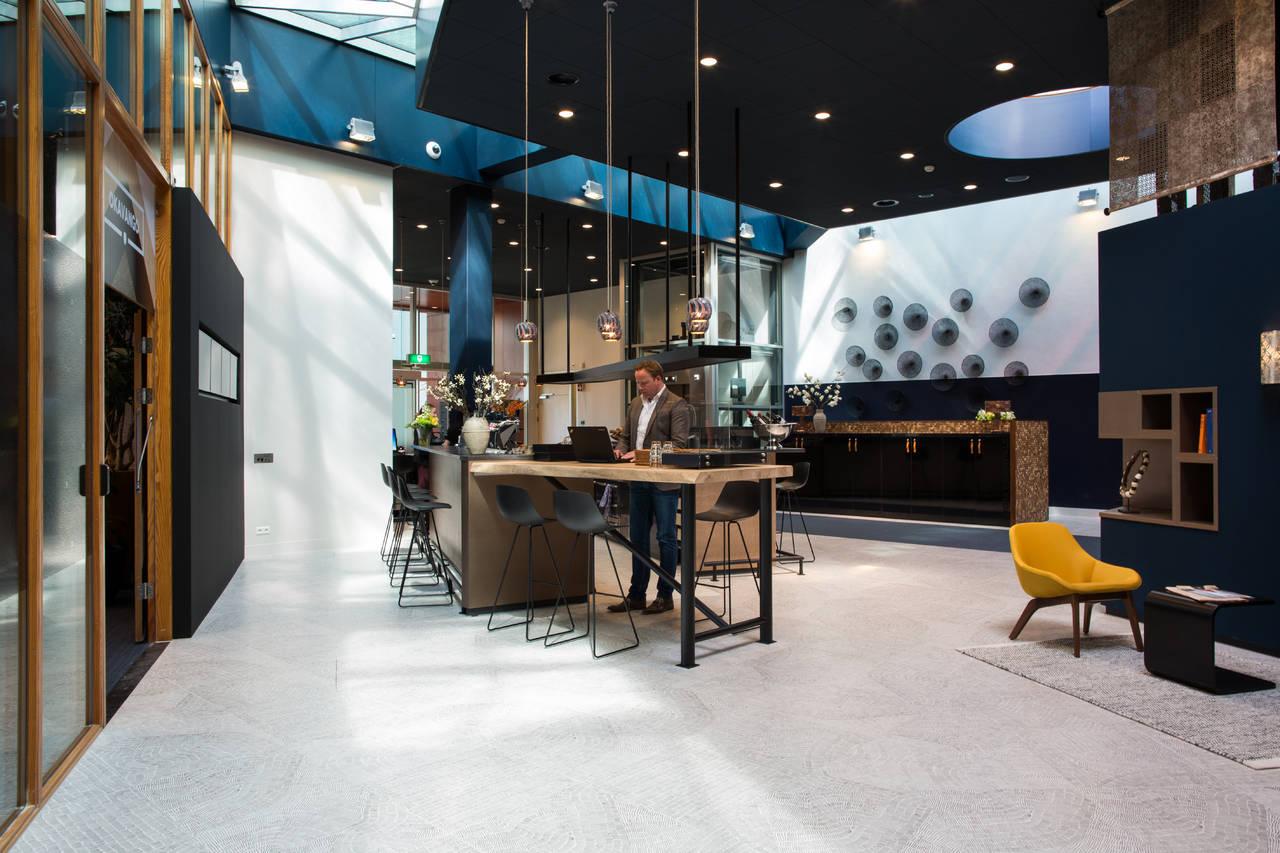 La collezione Fossil di Ceramiche Refin per l'Eindhoven Flight Forum