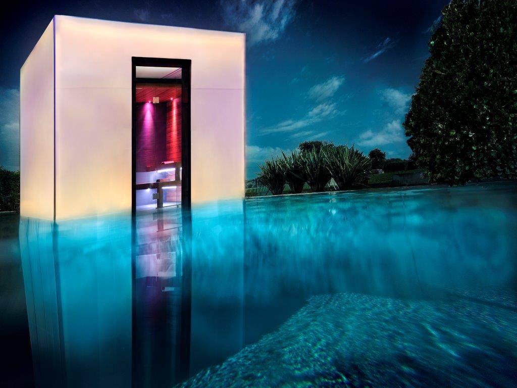You cube by piscine castiglione area for Castiglione piscine