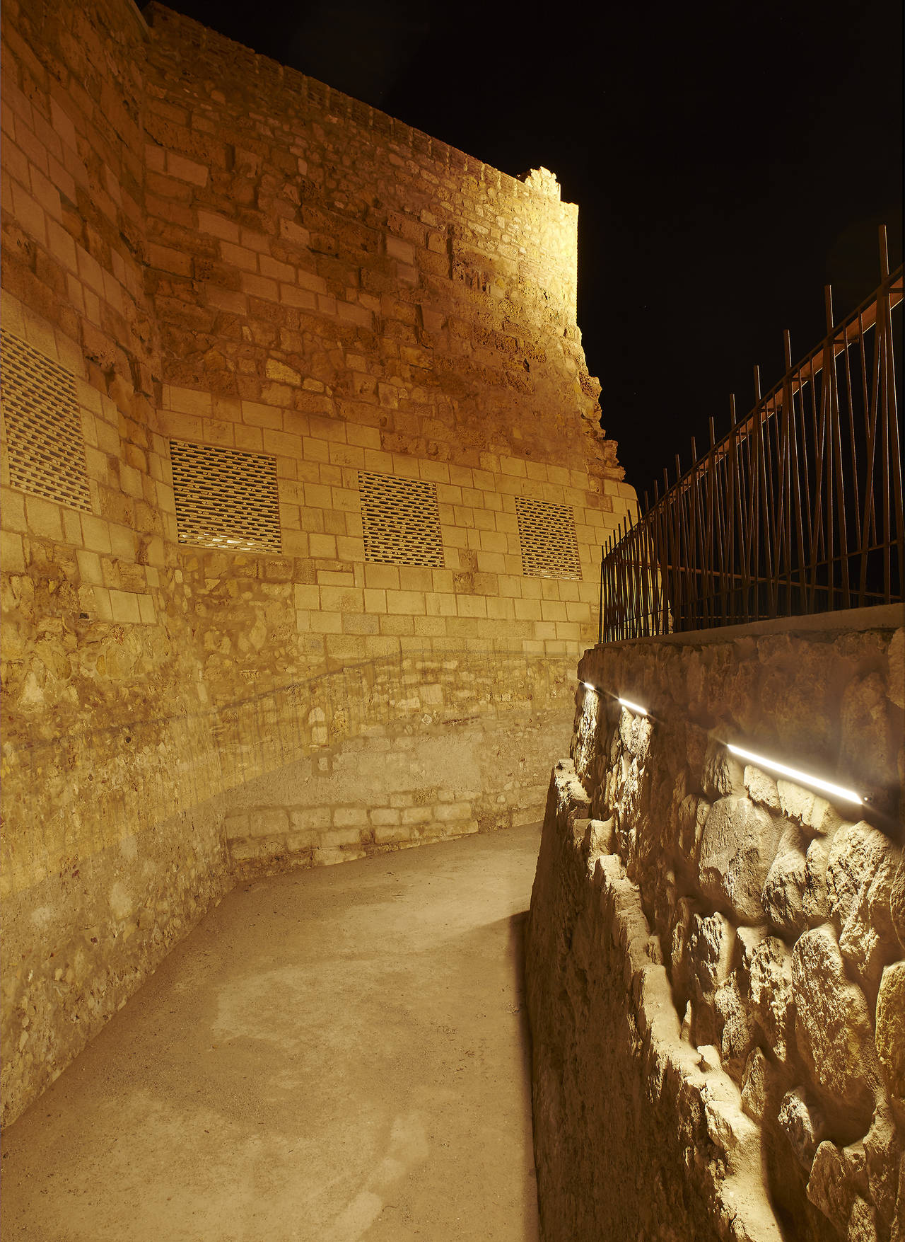 Linea Light per la fortezza di Melilla