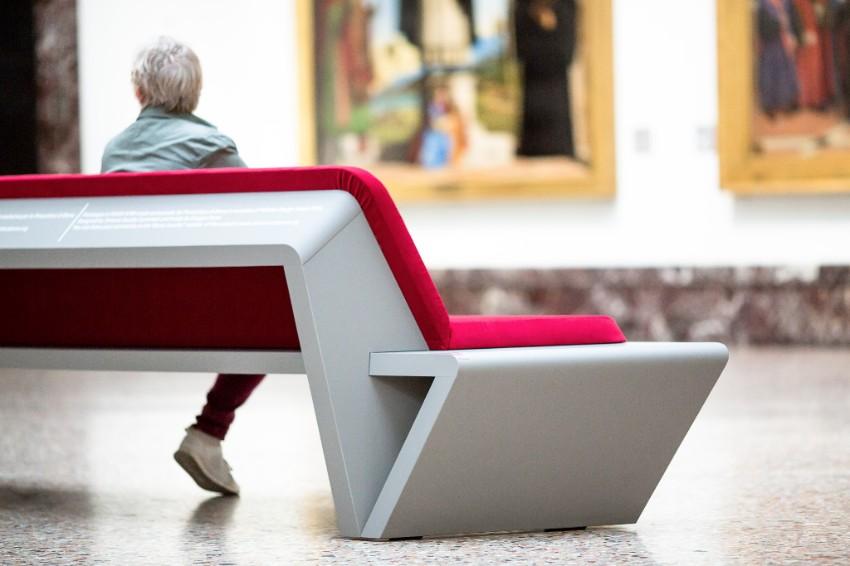 Seduta realizzata in Fenix Ntm®, il materiale nanotecnologico di Arpa Industriale