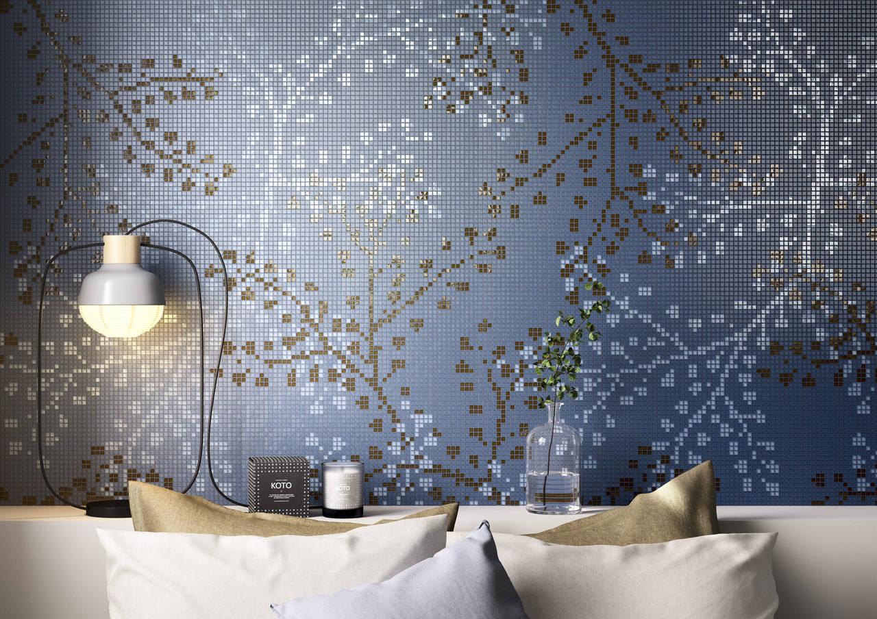 Nel decoro Gypso, i patterns sono elaborati e delicati ramage rivestono composizioni di grande equilibrio formale, con inediti effetti tridimensionali, elaborati con la tecnica del mosaico computerizzato e con la maestria artigianale di esperti mosaicisti.