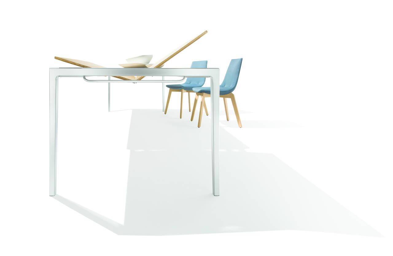 jacob strobel firma il tavolo tak per team7. Black Bedroom Furniture Sets. Home Design Ideas