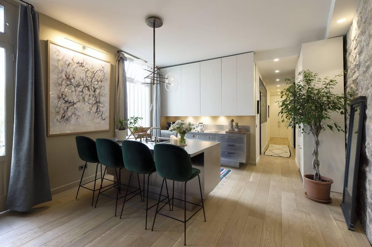 abimis per lo showroom 10surdix a parigi area. Black Bedroom Furniture Sets. Home Design Ideas