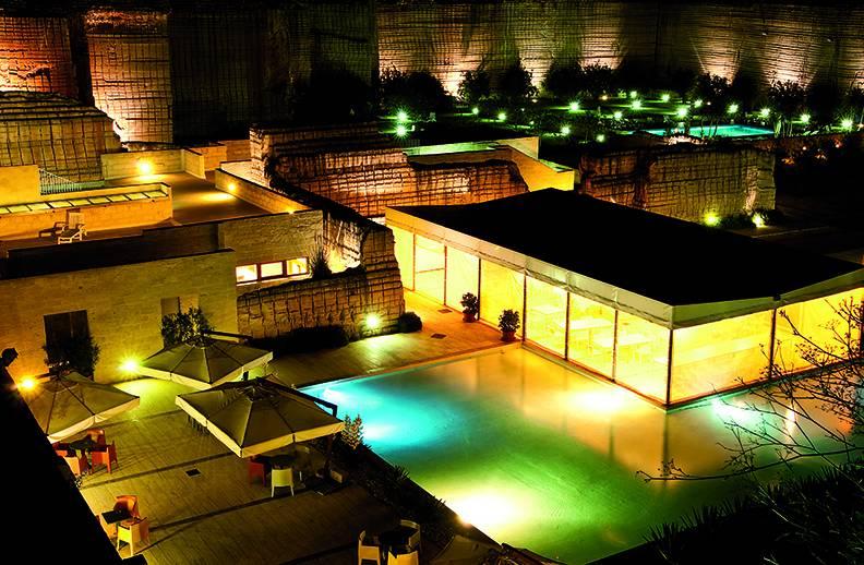 Duka per Le Cave Bianche Hotel a Favignana