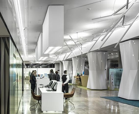Hi-macs per il Novotel Madrid Center. Photo by Jesus Granada