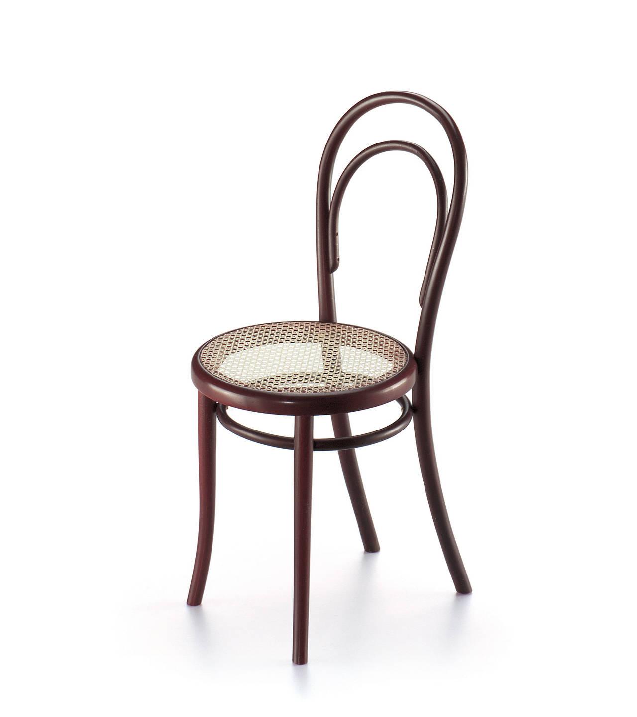 miniature exhibition 100 sedute classiche area. Black Bedroom Furniture Sets. Home Design Ideas