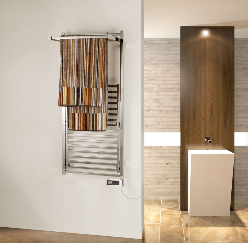 Stendy Elegance idraulico di Deltacalor con due pannelli aperti: un capiente e funzionale stendi asciuga biancheria dal design elegante e minimale