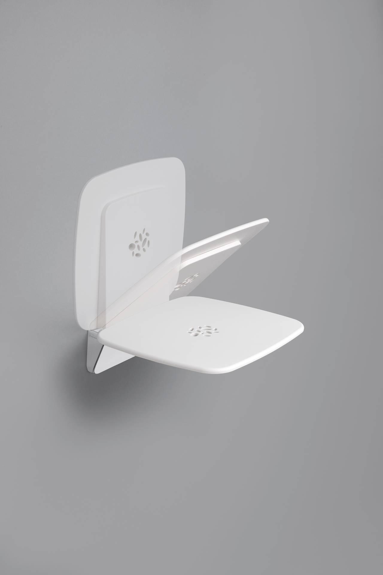 Seduta ribaltabile della Serie 300 di Provex, in alluminio e ABS di alta qualità, in grado di garantire una portata eccellente (fino a 160 Kg) e, quando chiusa, il massimo spazio all'interno del box doccia. Meccanismo Soft Close. Colore cromo/bianco