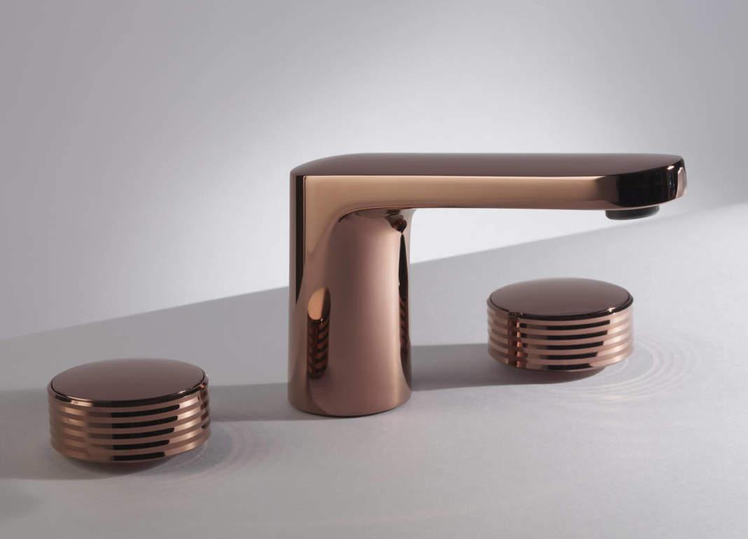 Miscelatore lavabo 3 fori della collezione Texture Collection firmata Meneghello Paolelli Associati nella nuova finitura Rame Lucido