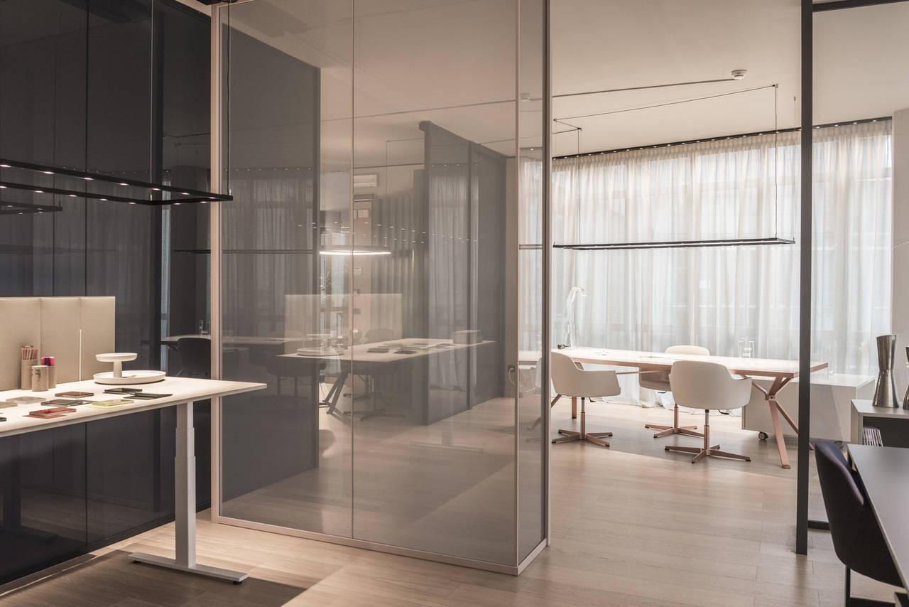 Apre il nuovo spazio espositivo manerba a milano area for Manerba mobili