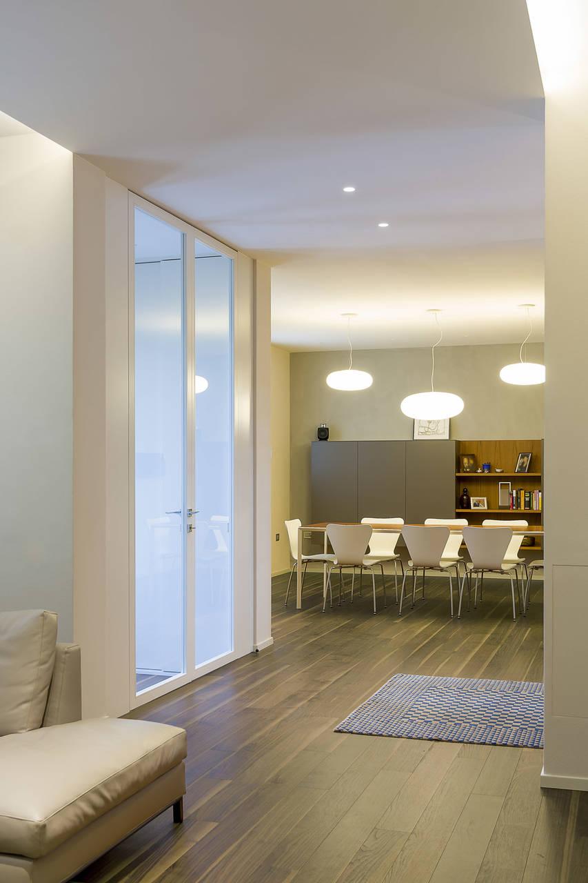 Il parquet Noce Americano di Cadorin scelto per rinnovare una casa anni 60 situata lungo la cinta muraria quattrocentesca di Faenza