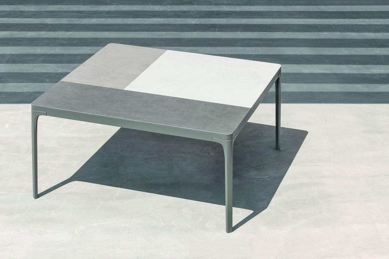 Tavolo Play quadrato XL Warmwhite e piano laminam