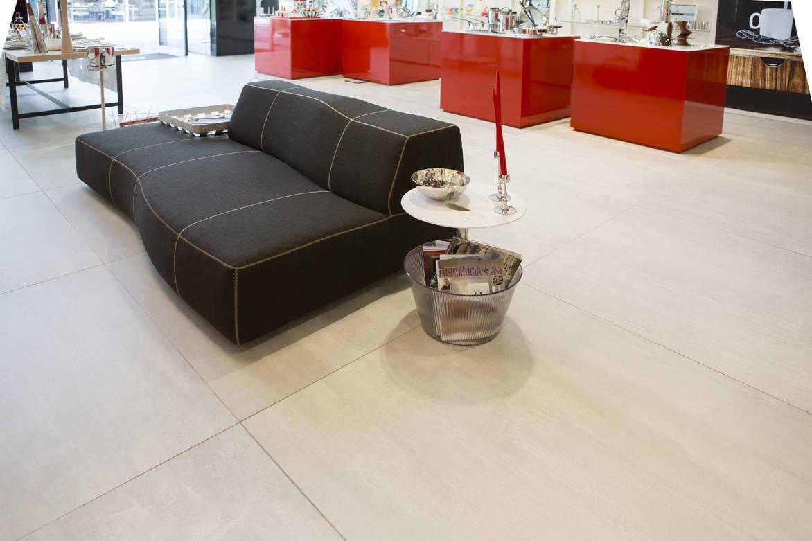 gesso si ma in gr s emilgroup per lo store alessi area. Black Bedroom Furniture Sets. Home Design Ideas