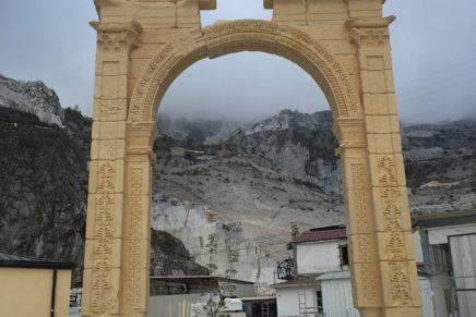 Ad Arona l'Arco di Palmira