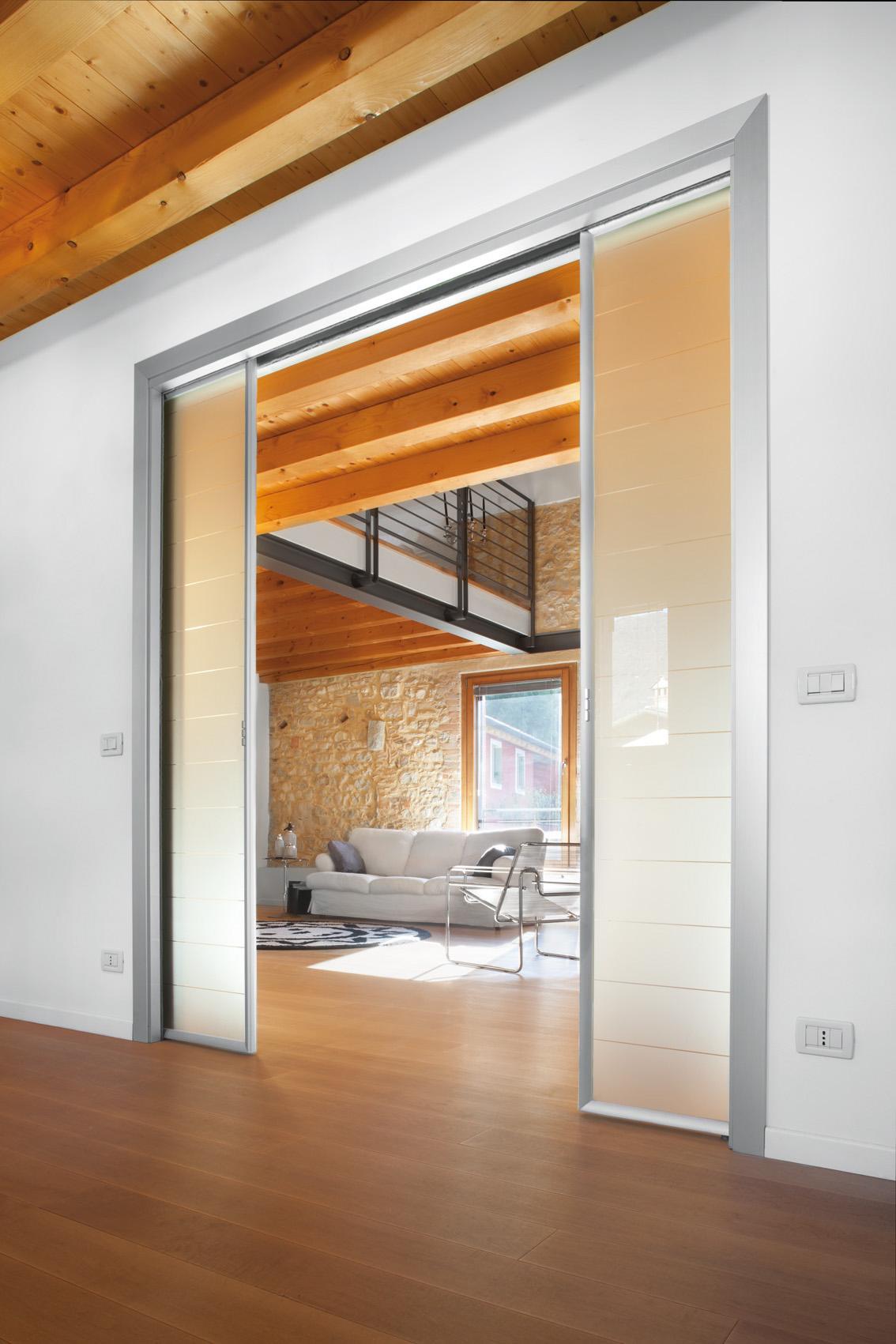 Controtelaio Eclisse Luce Estensione con porte scorrevoli in vetro alluminio
