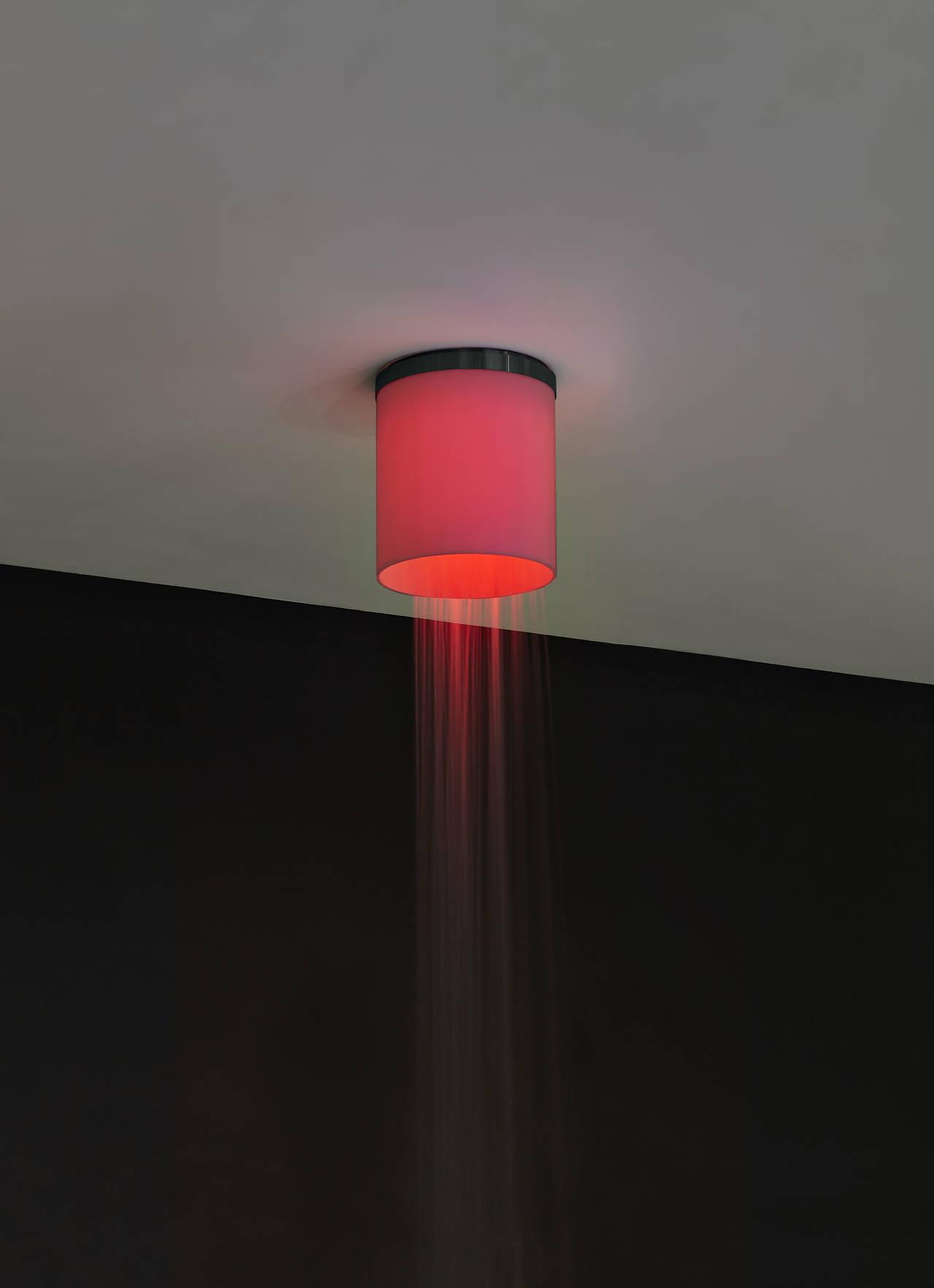 Soffione a soffio in acciaio inox completo di diffusore in acrilico opalino e illuminazione a LED RGB comprensivo di telecomando Waterproof.