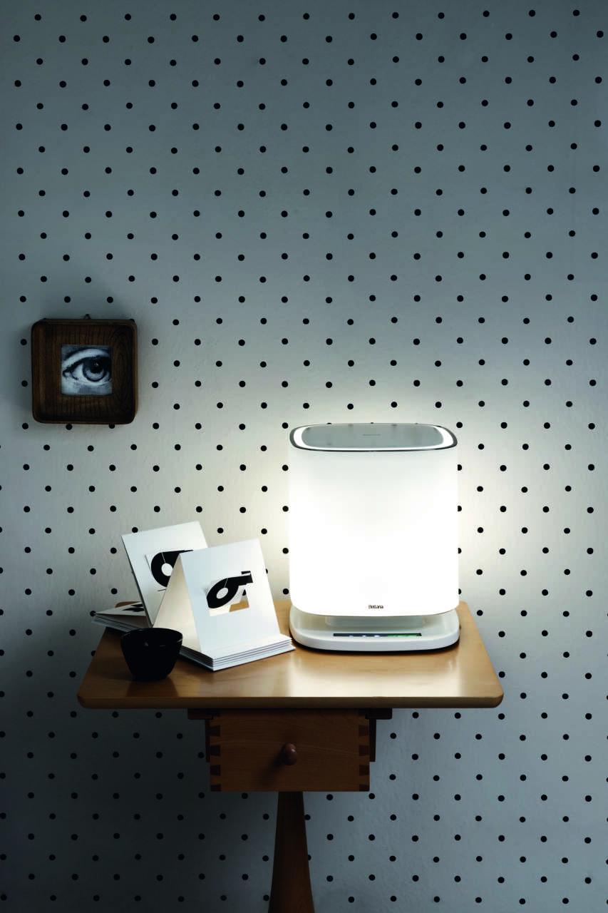 Bellaria è il purificatore d'aria che utilizza la tecnologia E.Ion System. Un oggetto sofisticato con corpo realizzato a mano in vetro di Murano che illumina e arreda l'ambiente.